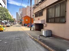 住ビル地下に専用駐車場2台